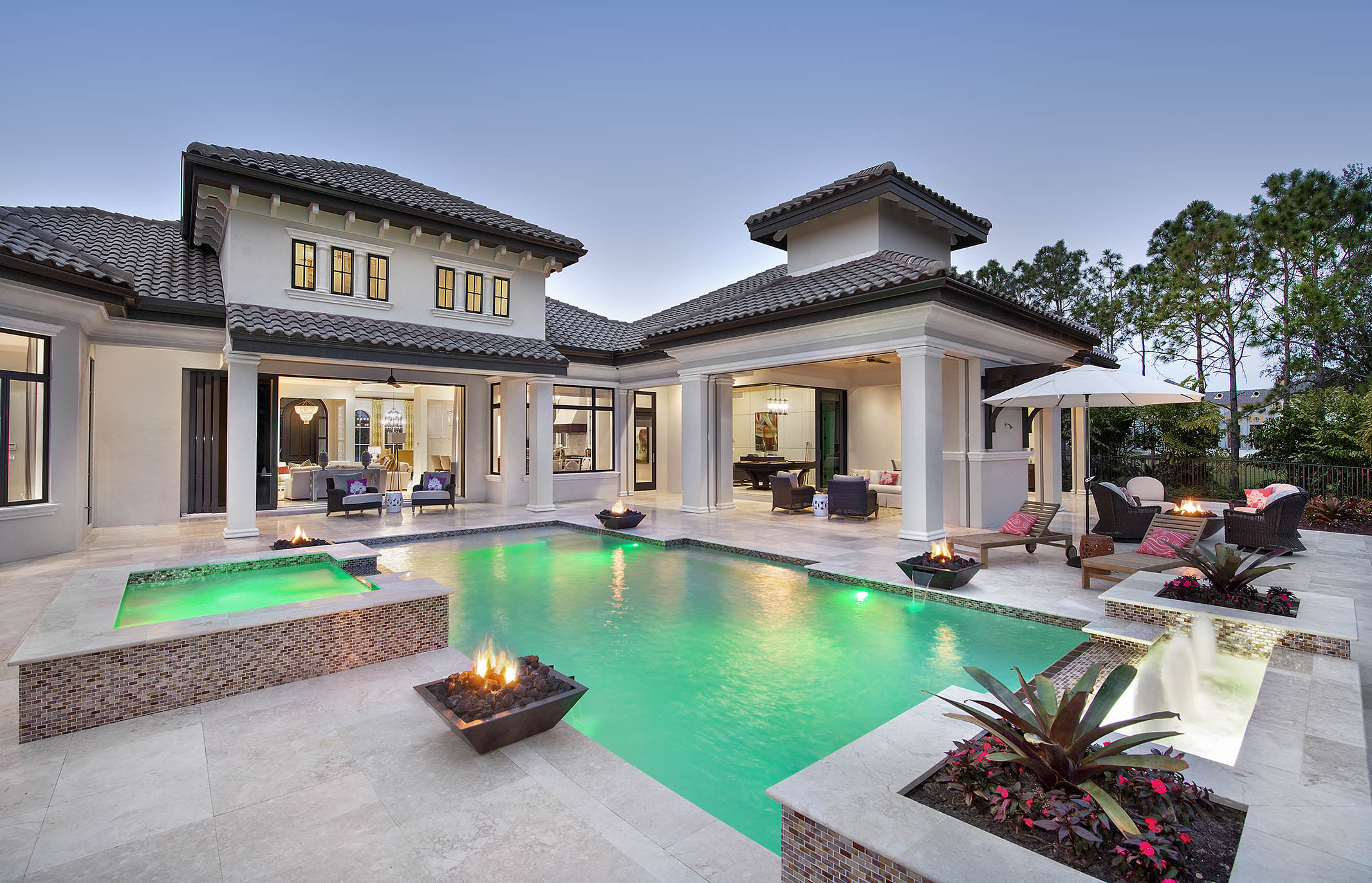 Naples architect designs new golf course home for Modern home design 2015