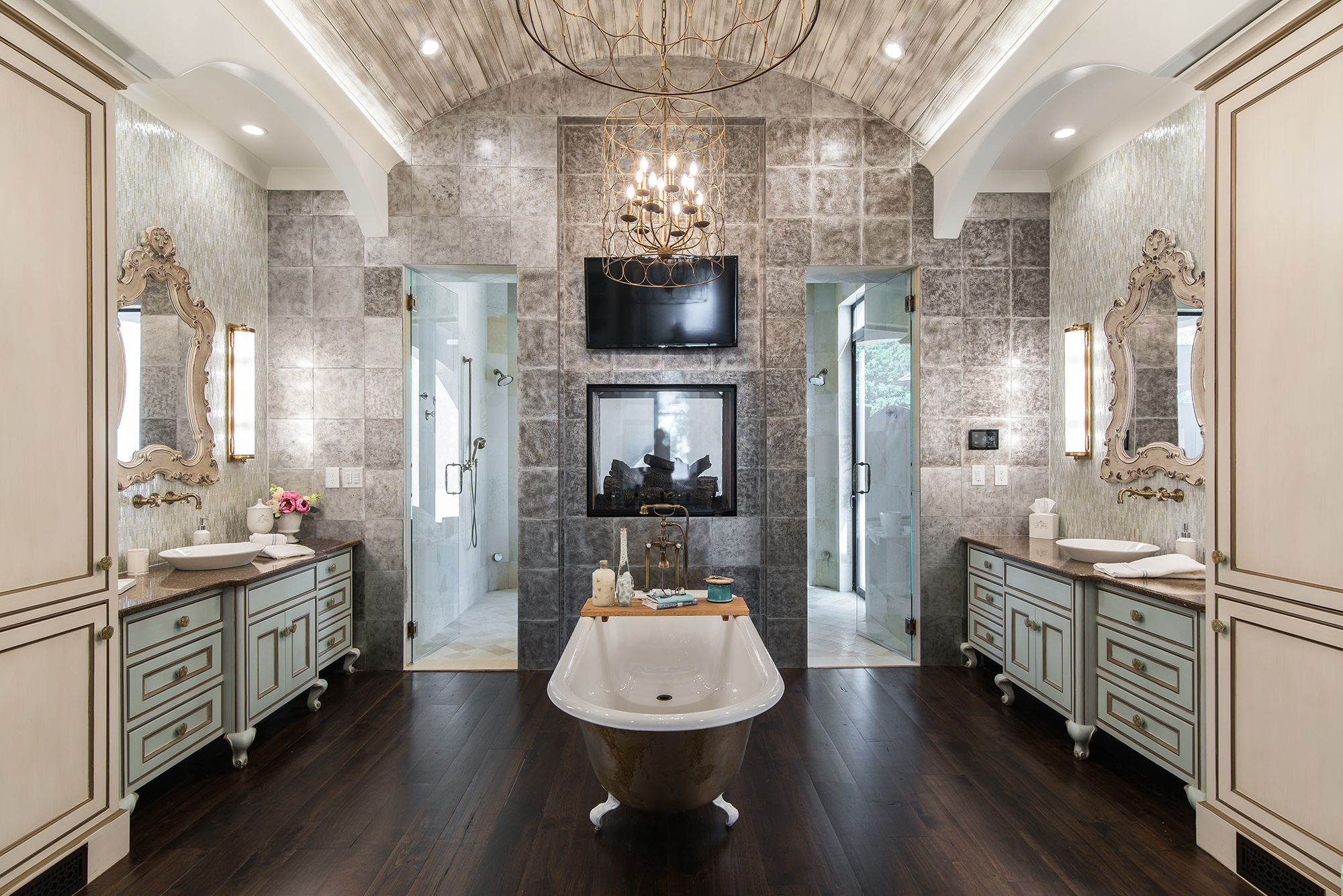 photo master bathroom design example