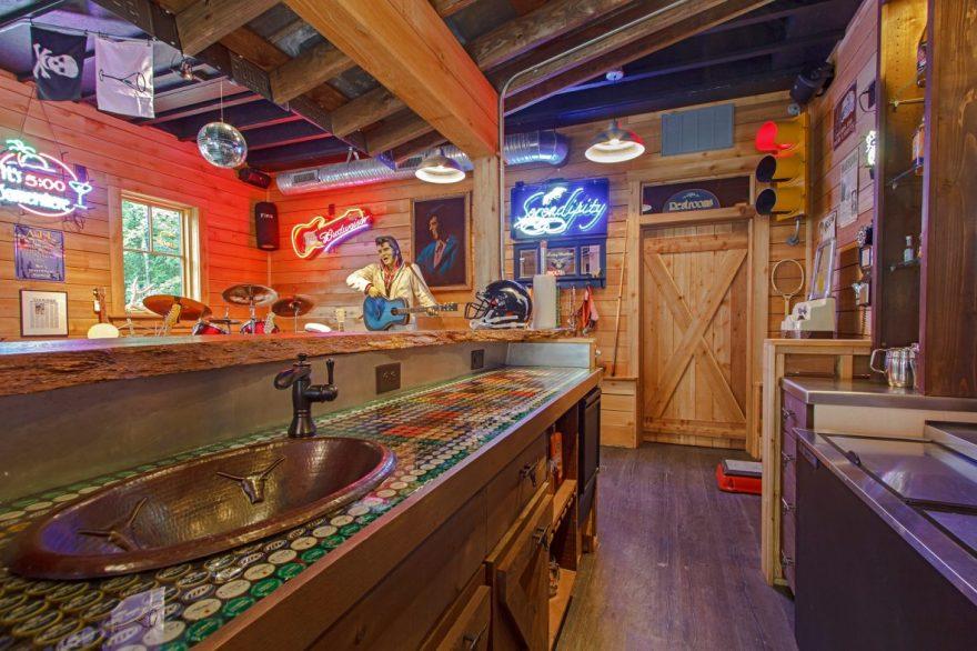 Garage Pub Thanksgiving