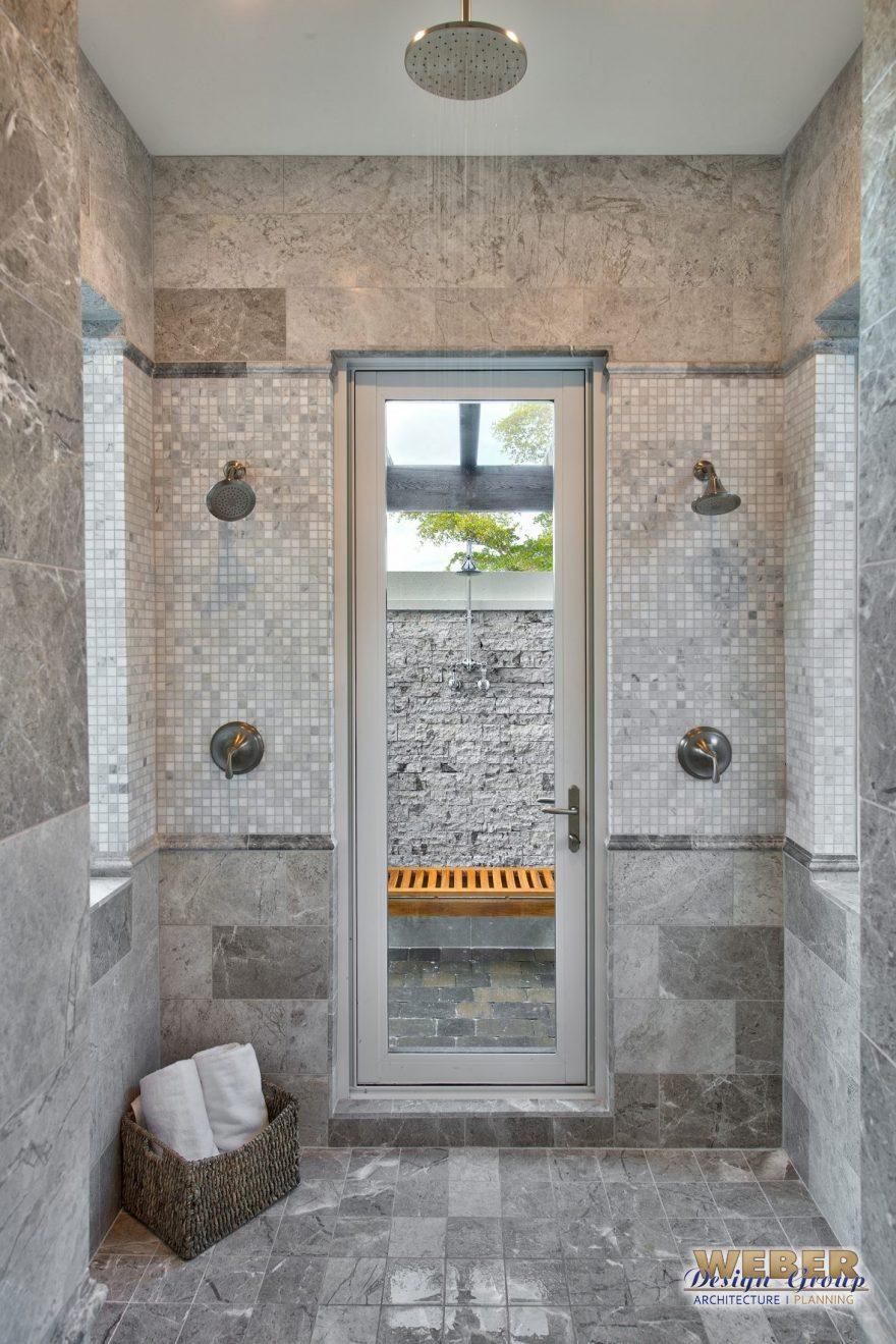 indoor-outdoor-shower-880x1319